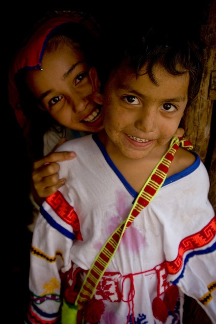 Niños Huicholes México