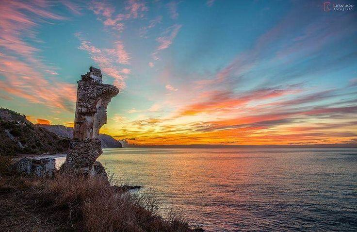 ¡¡Buenos dias #Málaga !! Amanecer en el Molino de Papel (#Maro, #Nerja). #FelizJueves  Temp.mín./máx. 15 / 28 °C Soleado Viento. 15 km/h Humedad relativa: 72% Luna: Menguante Salida del sol: 7:04 horas Puesta del sol: 21:27 horas  Fotografia de Carlos Castro - Fotógrafo