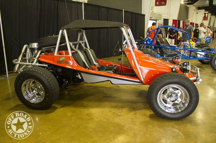 Meyers Manx Tow'd - 2014 Sand Sports Super Show Dune Buggies Off-Road Action.    http://offroadaction.ca/2014/10/10/2014-sand-sports-super-show-vintage-dune-buggies/
