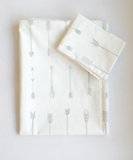Bedding Set - Into the Woods Arrow | 100% Cotton Percale | Available: Standard Cot Size Duvet cover (incl pillowcase) | Single Bed Duvet cover (incl pillowcase) | Fitted Sheet Size: 130 x 64 x 10 cm | Baby Duvet Size: 80 x 120 cm | Pillow Size: 30 x 40 cm |
