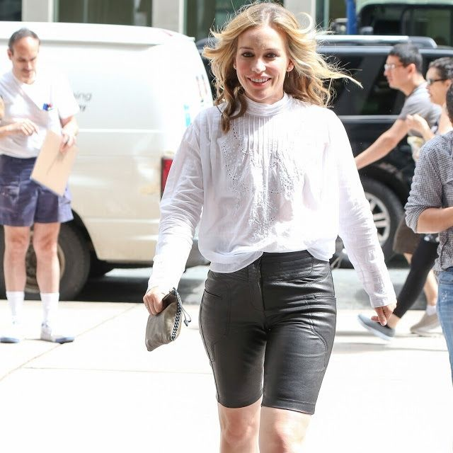 Piper Perabo ruins her look with unflattering leather cycling shorts |  Cycling shorts, Leather shorts and Leather