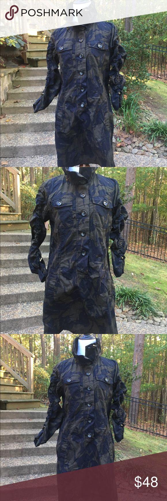 MK Michael Kors Camo shirt dress Size-M Michael Kors Camo Button up Dress- love this dress- Size-M MICHAEL Michael Kors Dresses Mini
