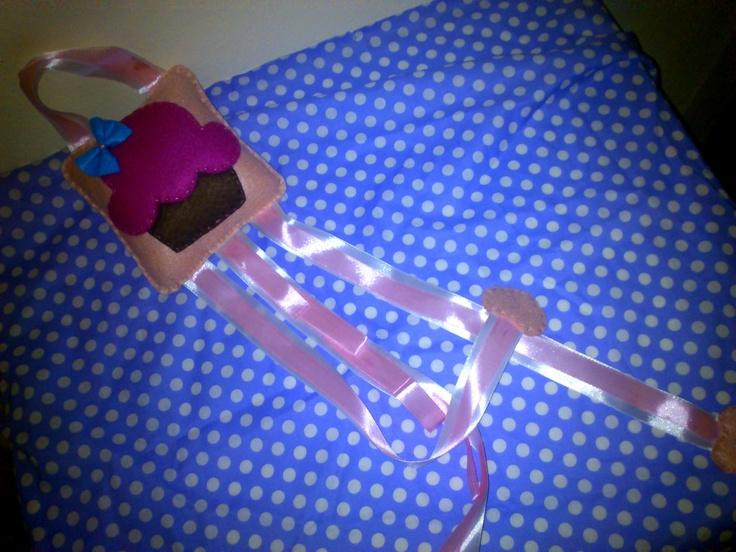 cupcake bow hair holder...