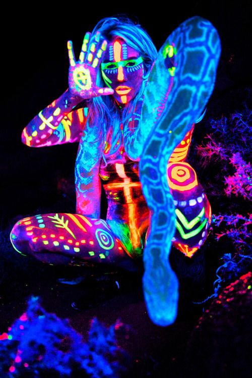 1000 ideas about neon painting on pinterest body - Glow in the dark paint colors ...