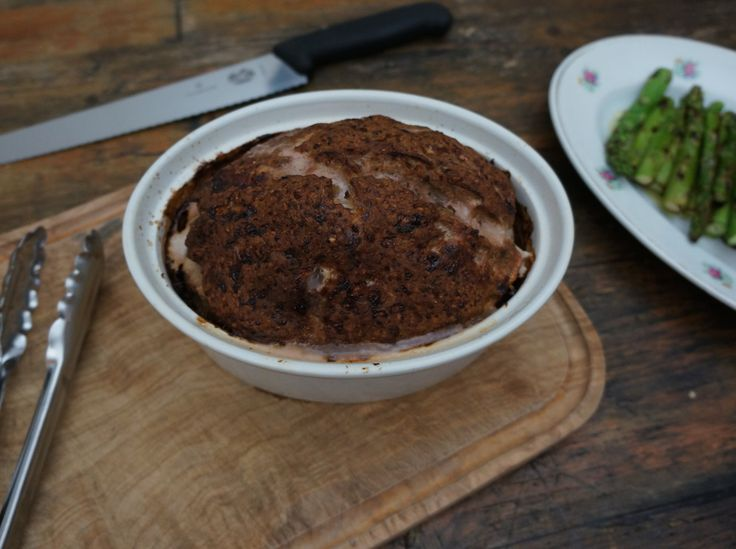 Gehaktbrood met gegrilde asperges