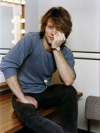 Jon Bon Jovi American Pop Singer Bon Jovi Group Sitting in His Dressing Room Impressão fotográfica na AllPosters.pt