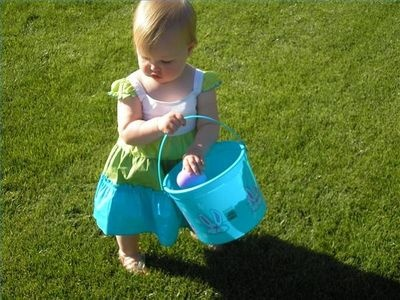 Cool Easter Egg Hunt Ideas. I especially like the glow in the dark paint and scavenger hunt egg ideas.