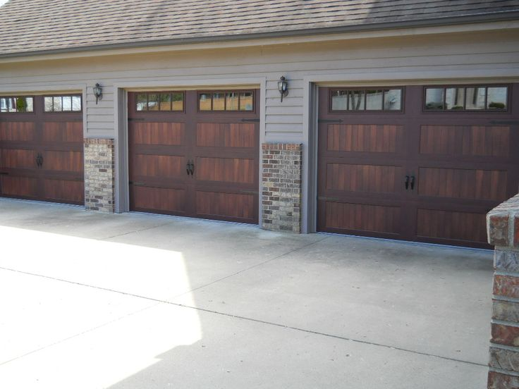 CHI brand model 5983 woodtone accent Mahogany & 11 best CHI Overhead Doors images on Pinterest | Accent image ...