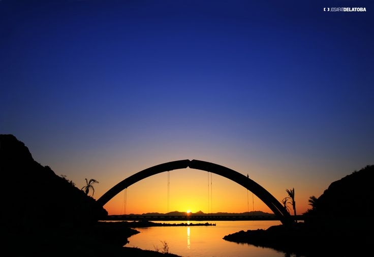 Sundown in Loreto, Baja California Sur #weddingsincabo #cabophotographer #loreto #josafatdelatoba # #mexico #bajacaliforniasur