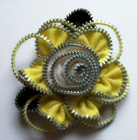 Yellow and Off White Floral Brooch / Zipper Pin by por ZipPinning