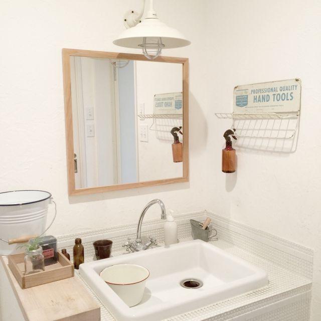 洗面台インテリアを極めて生活感ゼロに。収納術や小物インテリアを紹介。   iemo[イエモ]