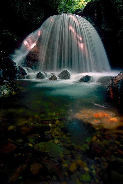 Mikaduki Falls, Tamura, Fukushima, Japan 三日月の滝、福島