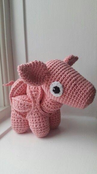 "Crochet puzzle pig from Maja Hansens ""Hæklede pusledyr"""