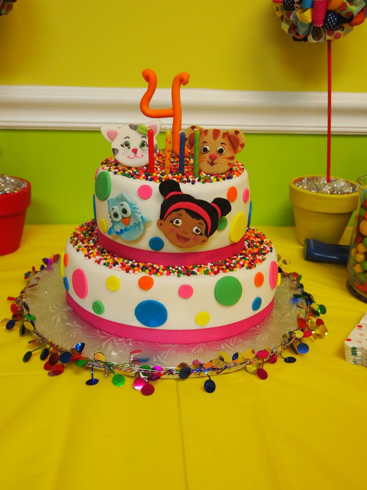 Daniel Tiger S Neighborhood 4th Birthday Party Cake