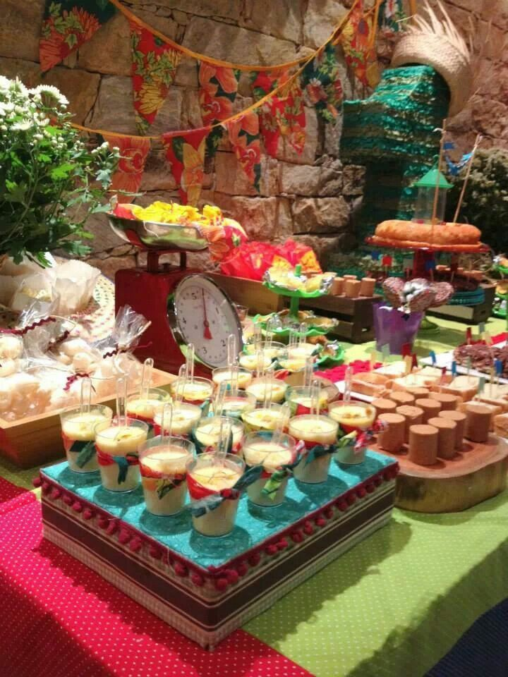 Mesa de festa junina. #festajunina #table