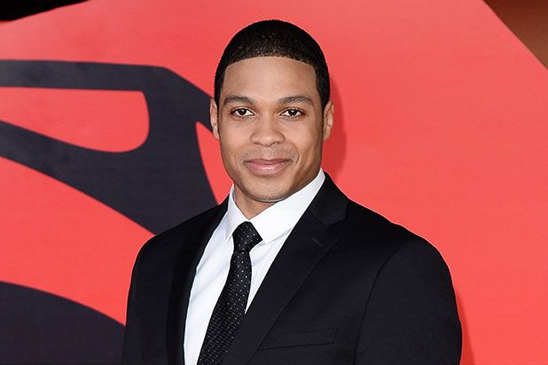 'Cyborg' Actor Ray Fisher Is Ripped in New 'Justice League' Teaser Photo