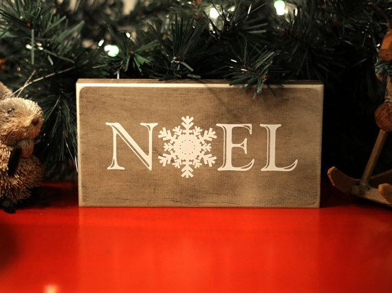 Rustic Chic Wood Window Sill NOEL Sign with Simple Snowflake Christmas Decoration for Desk, Mantle, Window Sill, or Bookshelf