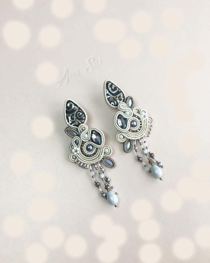 #soutache #soutachejewelry #soutacheearrings #statementjewelry #statementearrings #cabochon #jewelrydesign #jewelryaddict #jewelrydesigner #handmadejewelry #handmadeearrings #handmade #design #designer #earrings #orecchini #fattoamano #pendientes #cercei #madeinromania #swarovski #swarovskicrystals #handmadeworld