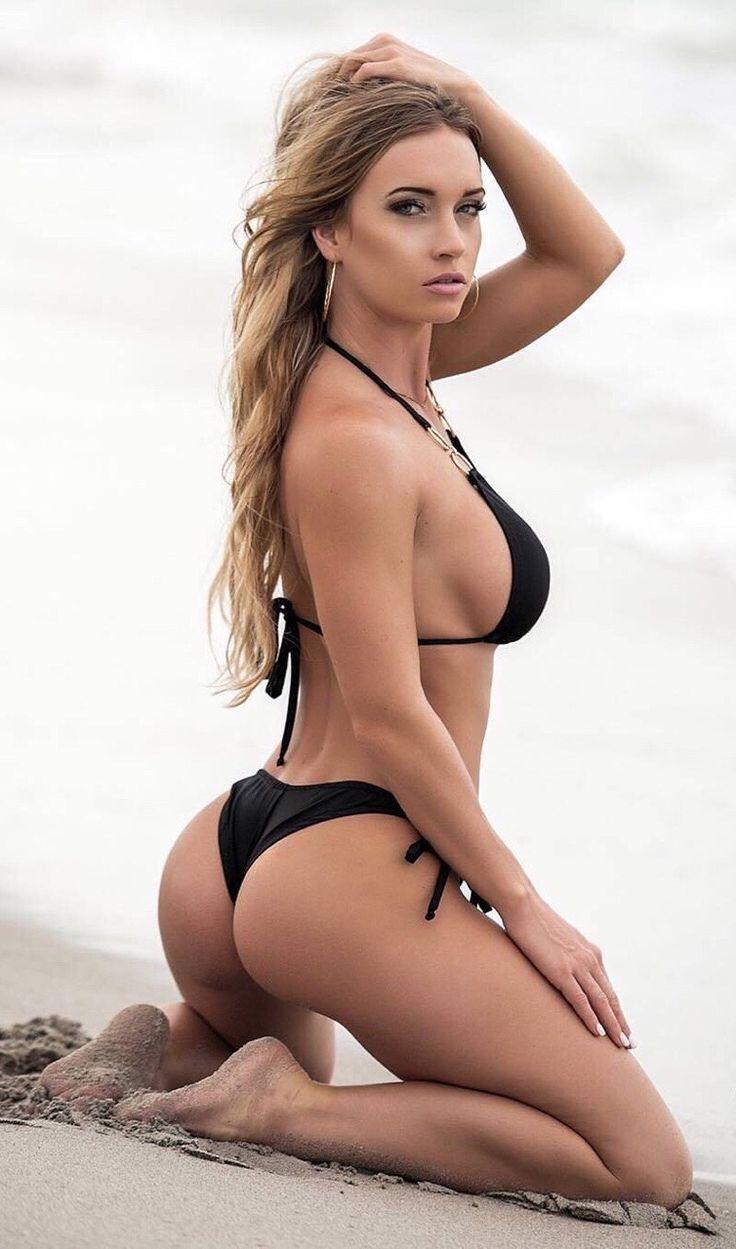 Mujeres hermosas en bikini
