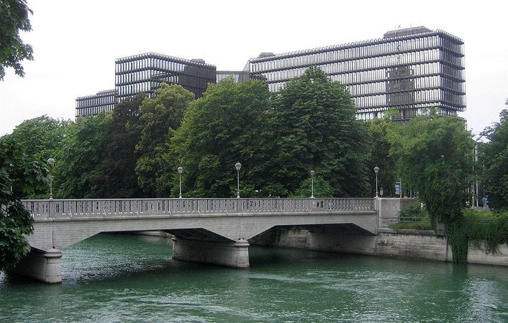 Boschbruecke Patentamt Muenchen-1 - Bridges in Munich - Wikimedia Commons