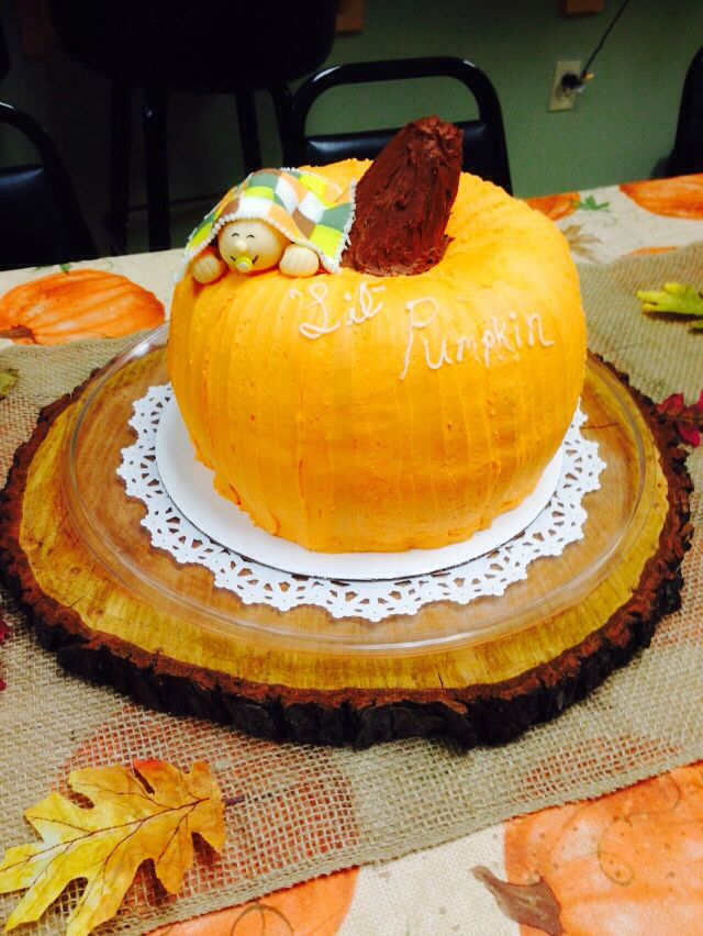 Pumpkin Shaped cake w/fondant baby and fall quilt
