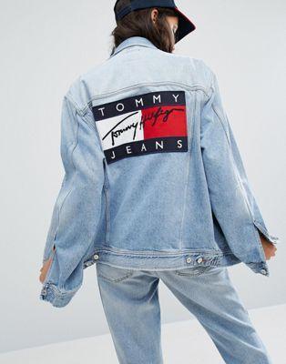 Tommy Jeans – Unisex-Jeansjacke im Stil der 90er Jahre