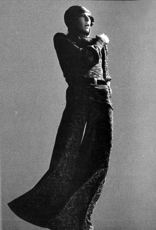 singles in huston Whitney houston es el álbum debut de la cantante pop estadounidense whitney houston, publicado el 14 de febrero de 1985 [1] el álbum tuvo un comienzo lento, pero.