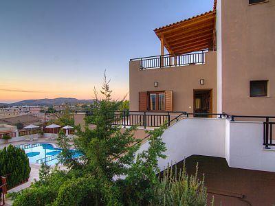 Rethymno villa rental - Villa Eleni-Another aspect of the building!