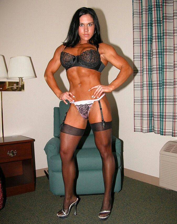 sexy muscle girls and names