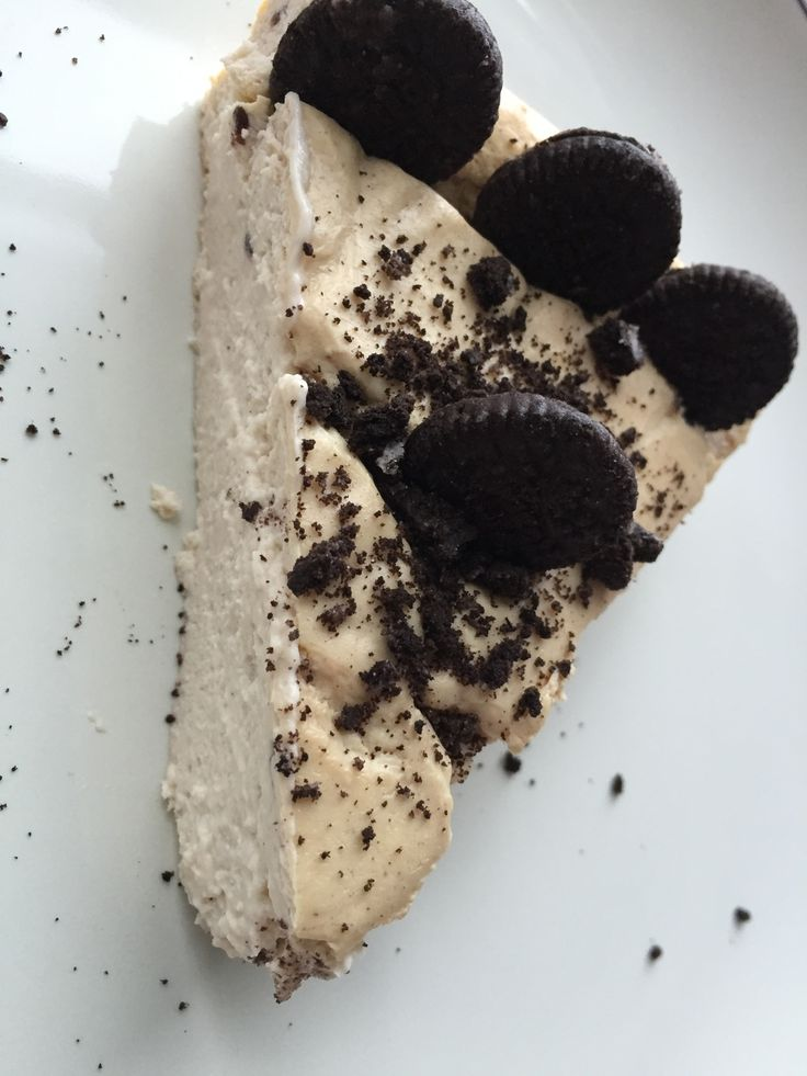 Cookies and Cream Protein Cheesecake (148 kcal, 2F, 8C, 22P)