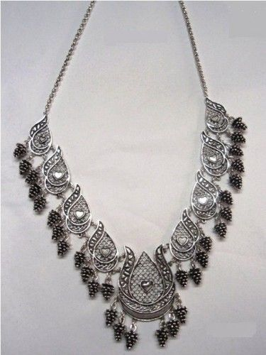 tulip pattern, filigree, silver necklace