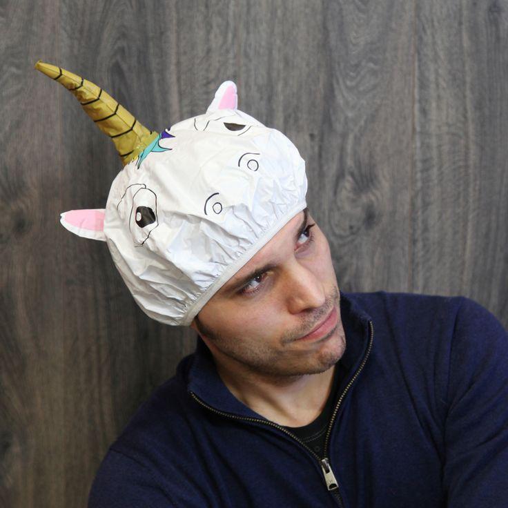 El gorro de ducha con diseño de unicornio es un regalo muy divertido! Sobre todo las chicas estarán encantadas con él. Se convertirá en un elemento imprescindible en la ducha.  Es el gorro de ducha definitivo para borrar el mal humor de cualquier hogar. Si te pones este Unicornio o te ven con él, desaparece el mal rollo al instante.  El gorro de ducha Unicornio es el más divertido de todos, aunque vigila con el cuerno que sobre sale… ¡Podrías morirte de la risa!