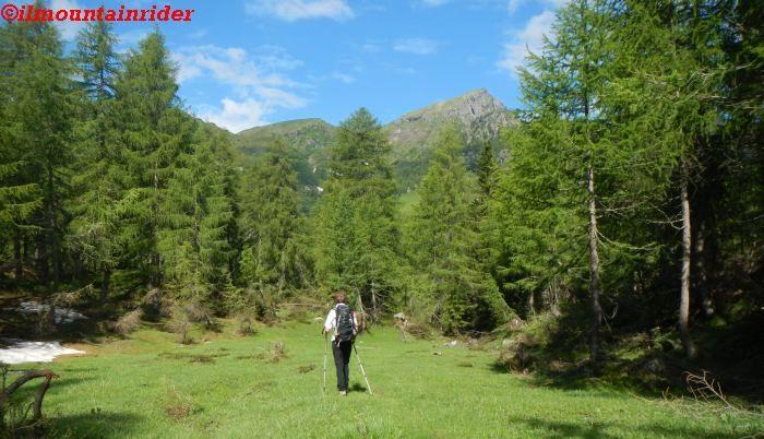 Come preparare lo zaino per un'escursione in montagna