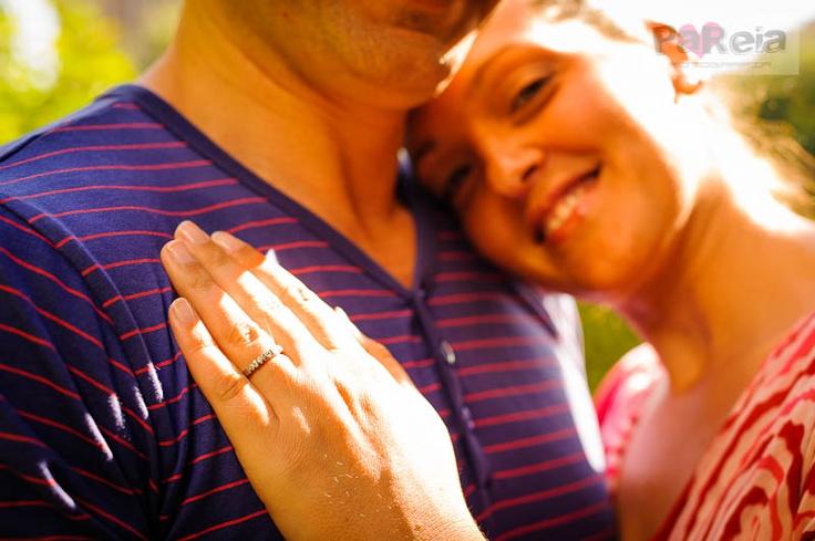 primer plano anillo de compromiso  pareiafoto.com