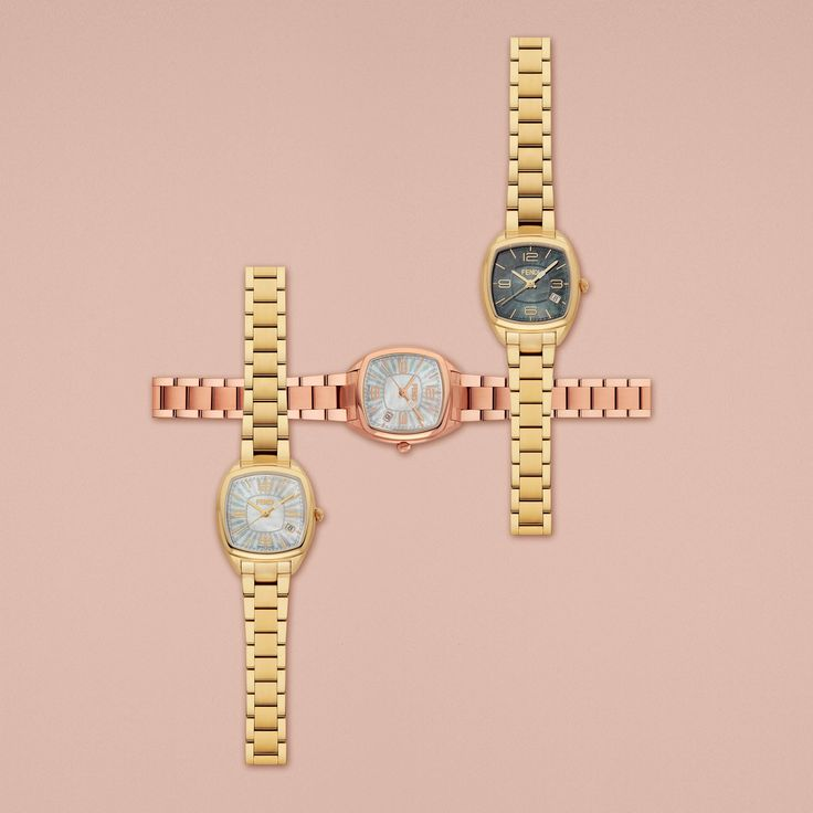 It's Fendi Momento time! Discover the ultra-luxurious collection on www.fendi.com