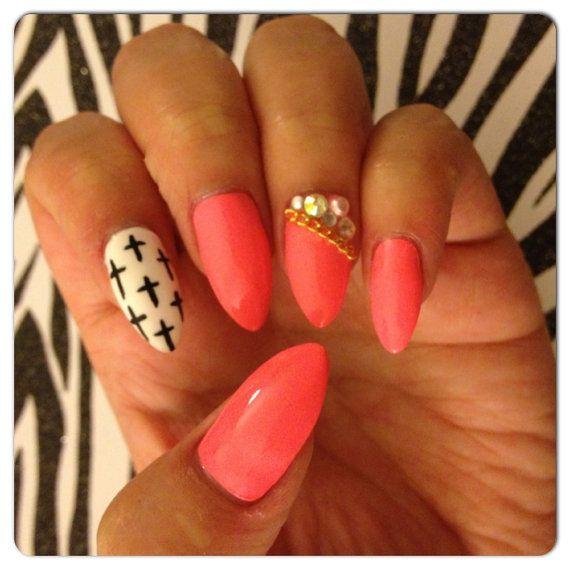 Stiletto nails<3
