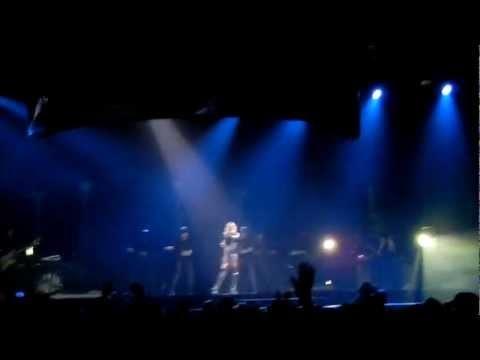 Rihanna Diamonds World Tour Numb Buffalo NY