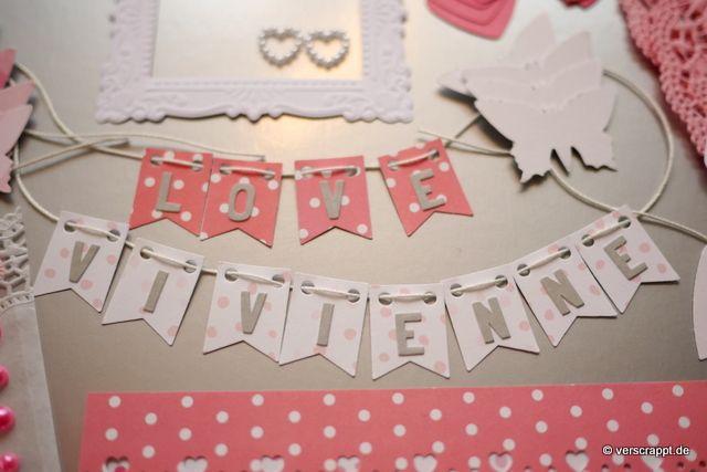 Taufalbum-Babyalbum-Mädchen-rosa-Bastelpaket-Bastel-Kit-Embellishment-Set-Tags-Journaling-Bordüren-Rahmen-Herzen-Schmetterlinge-Fahne-Girlande-Namen-Doilies-Personalisierung