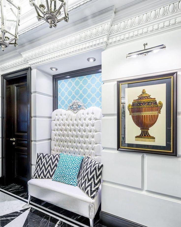 347 отметок «Нравится», 3 комментариев — Дизайн ИНТЕРЬЕРА Архитектура (@wwwsushkowru) в Instagram: «В стенную нишу прекрасно вписался неглубокий диван от Creazioni - идеально для прихожей, чтобы не…»