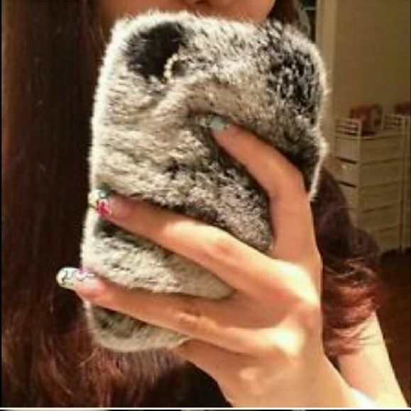 Fur phone case for iphone 5 s This adorable for phone case with crystal accents fits your iPhone 5 s Accessories Phone Cases