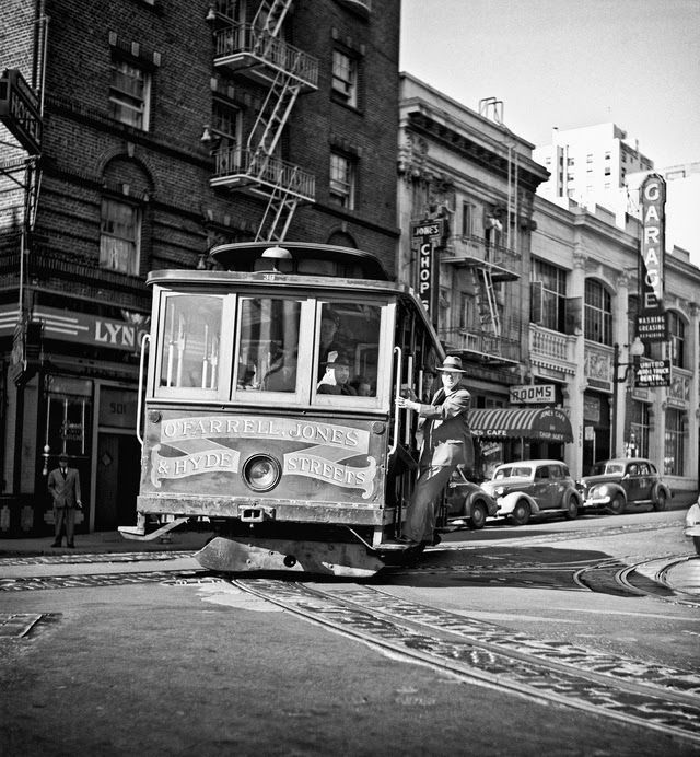 San Francisco 1940   ... Black & White Photographs of San Francisco from the 1940's-50's