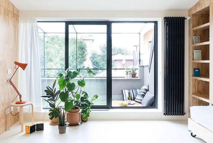 Балконы в современных квартирах чаще всего играют роль кладовой для хранения вещей. Естественно, этот вариант