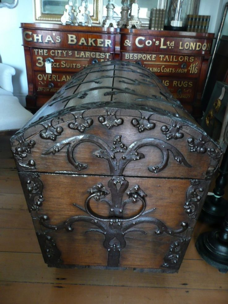 European Antiques : Furniture. Would be pretty at the end of the bed to hold sheets and blankets