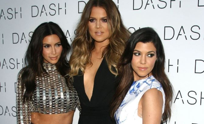 Kim Kardashian Confesses Low-Carb Weight Loss Wars As Khloe Splits Seams [Video]
