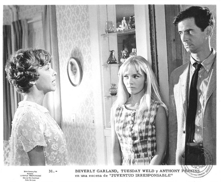 Beverly Garland, Tuesday Weld, and Anthony Perkins in Pretty Poison (1968)
