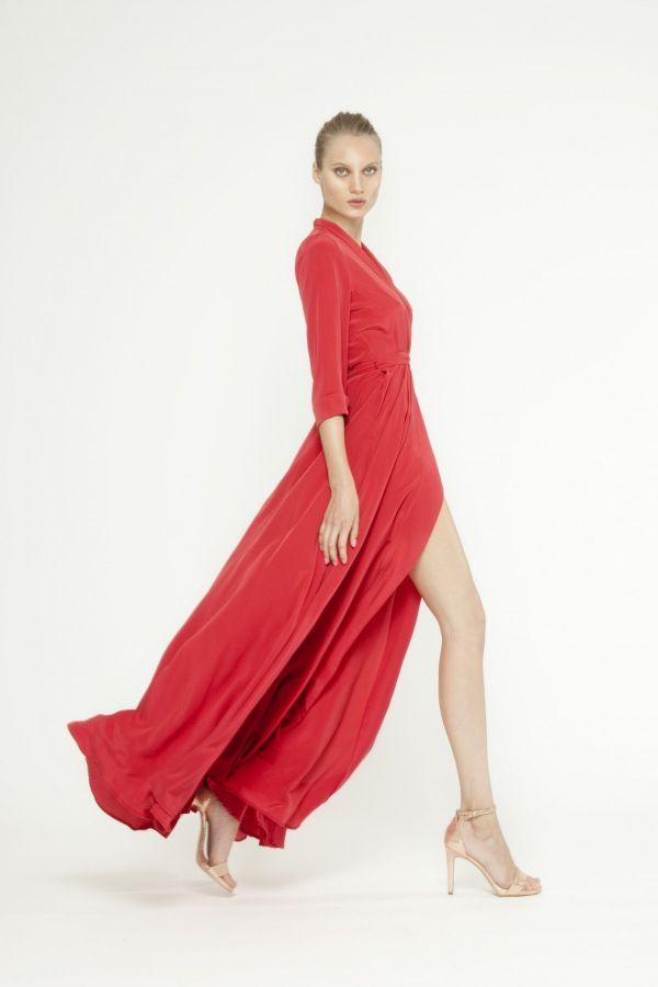 Foto 3 de 16 Vestido camisero con abertura en la falda y manga francesa en rojo | HISPABODAS