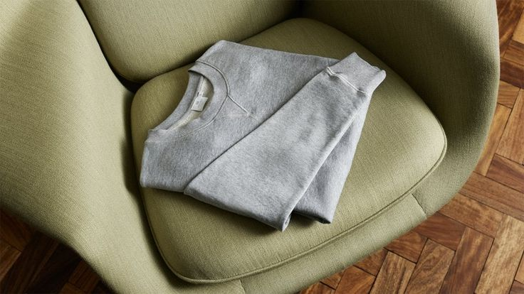 The grey sweatshirt by Mr Porter -01
