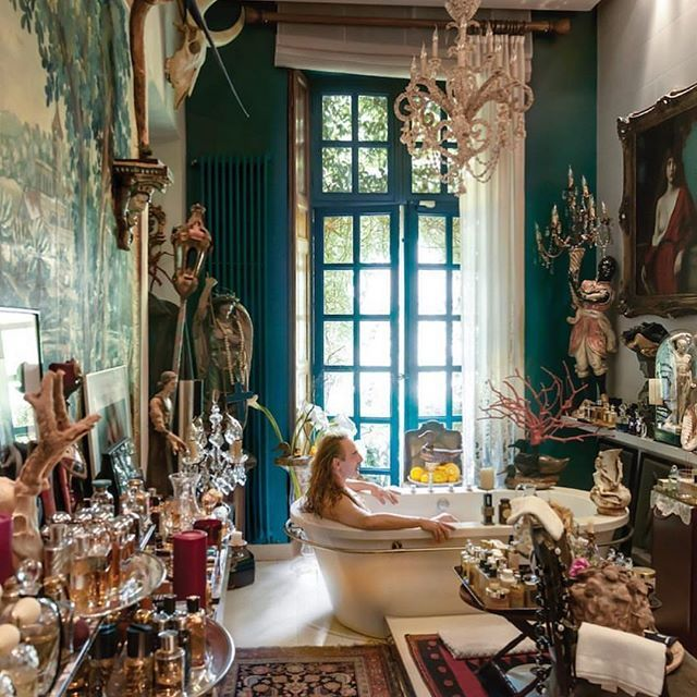 John Galliano S Bathroom Photographed By Annie Leibovitz Extra John Galliano Annie Leibovitz Galliano