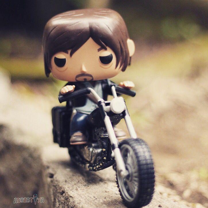Brum brum brum ~ Looking for safe place  Daryl Dixon's Chopper