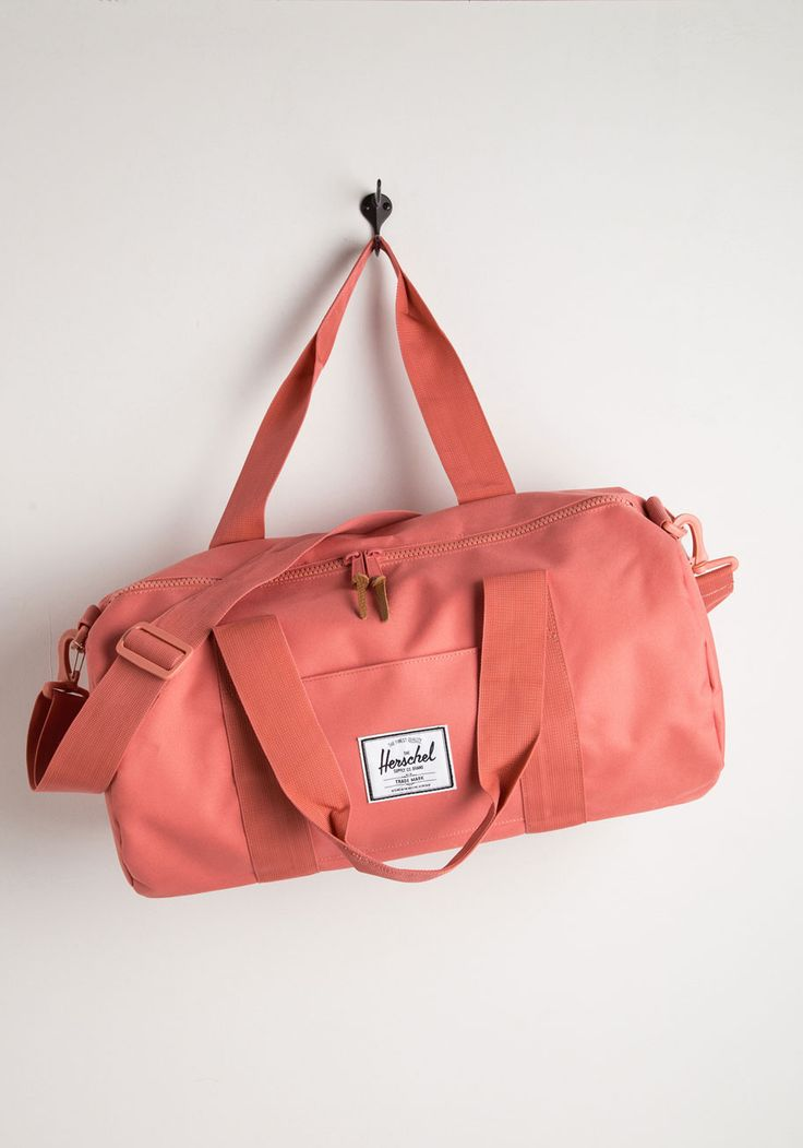 Get This Glow on the Road Weekend Bag. After stowing the last of your camping gear, zip up this rose-pink bag from Herschel Supply Co. #coral #modcloth